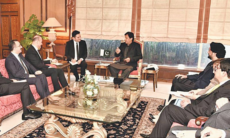 ISLAMABAD: Turkish Interior Minister Süleyman Soylu calls on Prime Minister Imran Khan at the PM Office.—INP