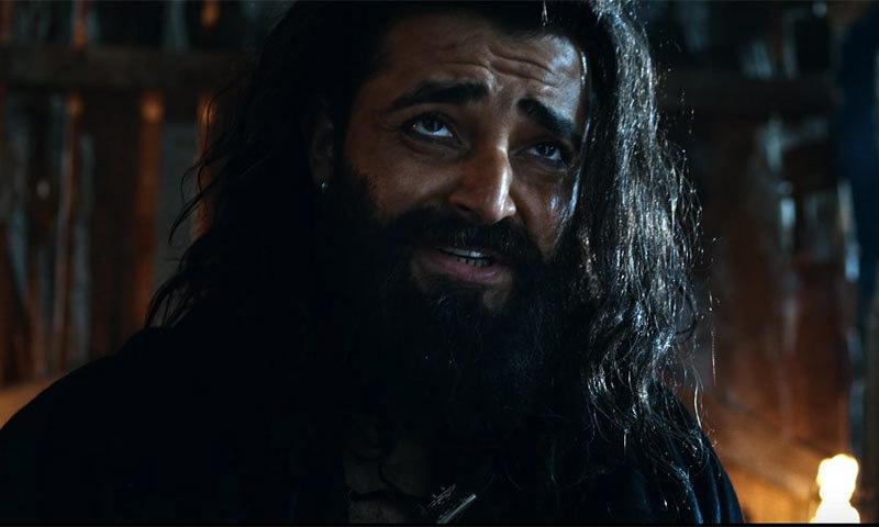 حمزہ علی عباسی فلم میں منفی کردار نبھاتے نظر آئیں گے — فوٹو: یوٹیوب اسکرین شاٹ