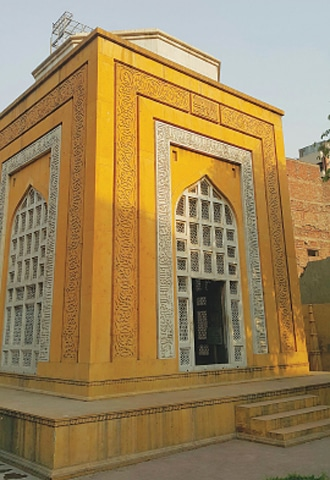 A view of Aibak's tomb