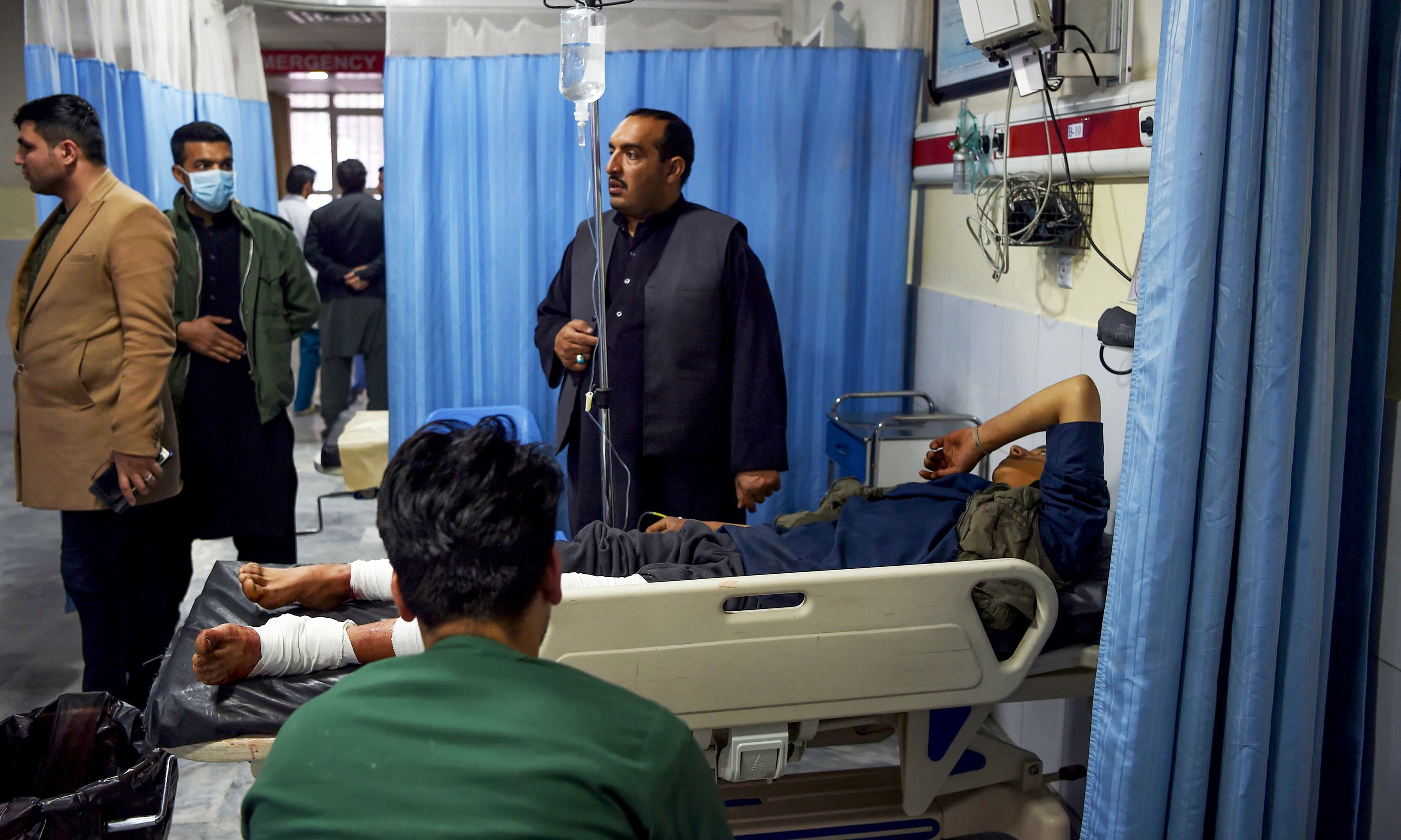 Explosions rock Kabul govt compound in ongoing attack, casualties feared
