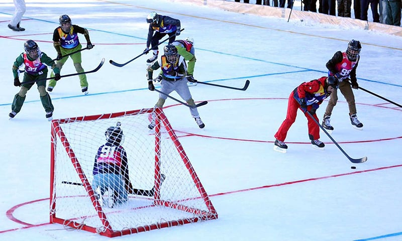 Players displayed extreme skill in the first ever ice hockey  match in Pakistan. —APP