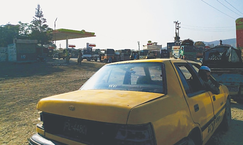 A long queue at a Hub CNG station.—Photos by writer