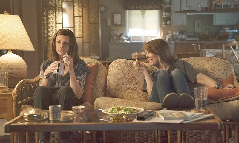 Julia Roberts and Sissy Spacek in Homecoming