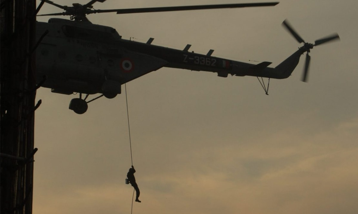 A commando in action during 26/11 | Credit: Shome Basu