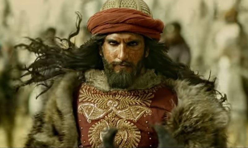 فلم پدماوتی میں علاؤالدین خلجی کا کردار تاریخ کو مسخ کرکے ایک گھناؤنے کردار میں پیش کیا گیا ہے۔