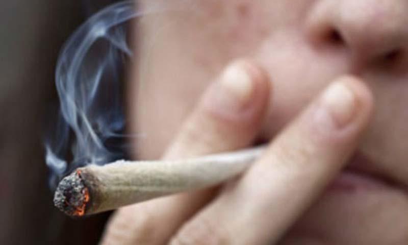 سپریم کورٹ نے منشیات سے متعلق پولیس رپورٹ مسترد کردی—فائل فوٹو
