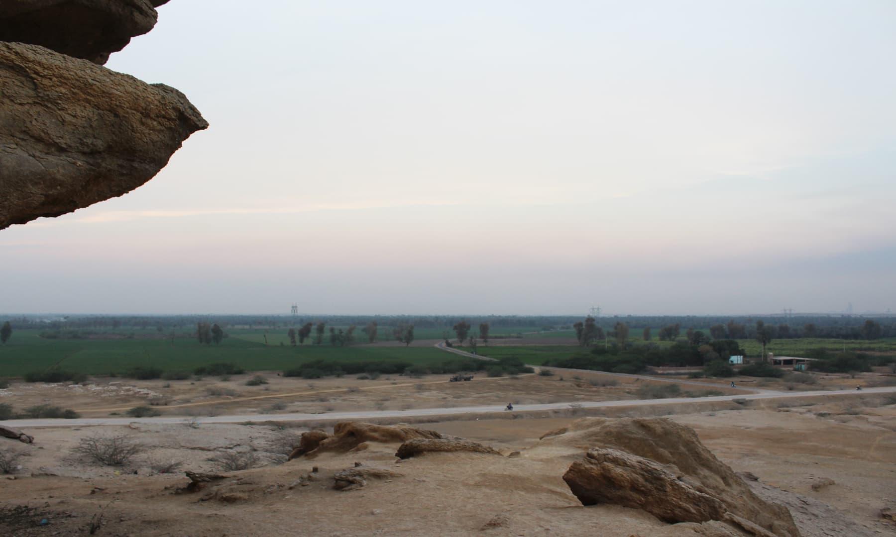 ہندو راجاؤں نے اروڑ پر 130 برس حکومت کی—تصویر اختر حفیظ