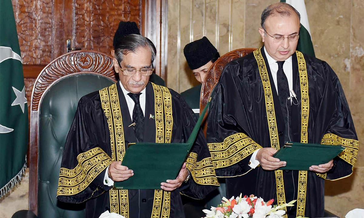 Chief Justice of Pakistan Mian Saqib Nisar administers oath to justice Syed Mansoor Ali Shah as a judge of the Supreme Court | Tanveer Shahzad, White Star