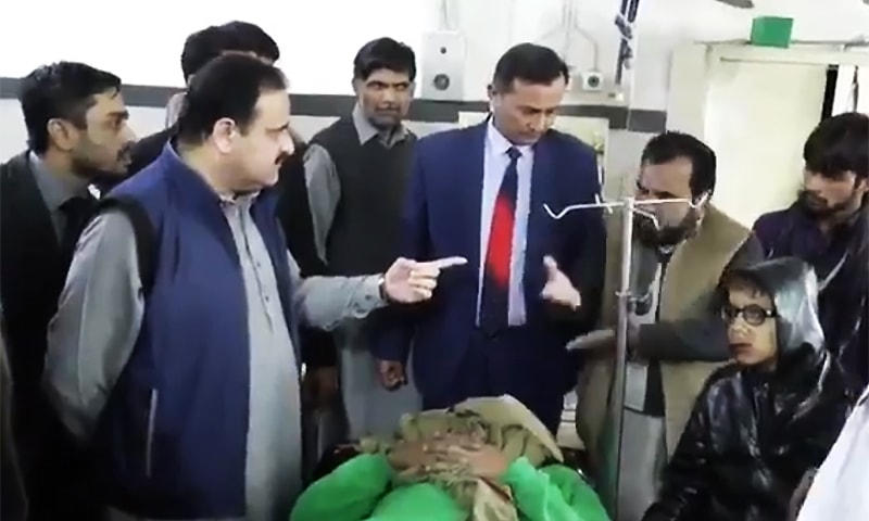 Chief Minister Sardar Usman Buzdar paid a surprise visit to the District Headquarters (DHQ) Hospital on Sunday. ─ Photo courtesy Usman Buzdar Twitter