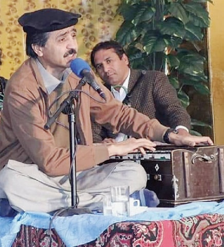 Naeem Turi performs at a function in Peshawar. — File photo