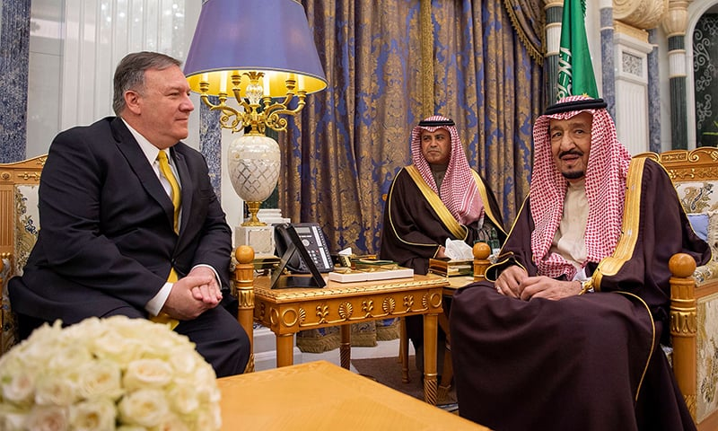 A handout picture provided by the Saudi Royal Palace on January 14, 2019, shows US Secretary of State Mike Pompeo (L) meeting with Saudi Arabia's King Salman bin Abdulaziz in Ryadh. ─ AFP