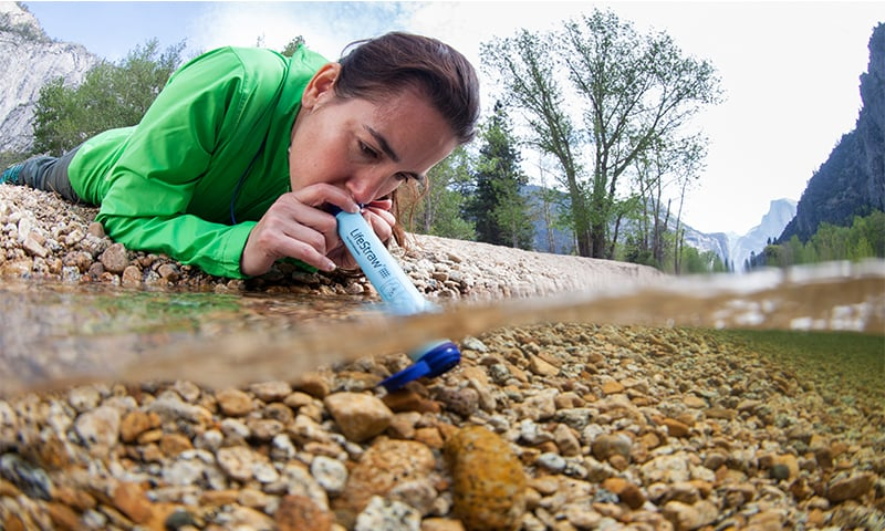LifeStraw Personal traps dirt, bacteria or parasites in its network of fibres