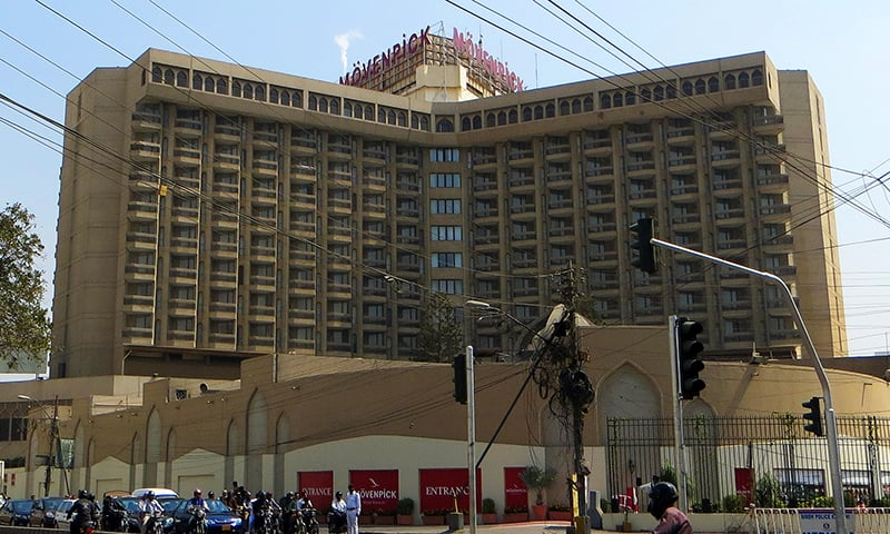 Young man dies after receiving head injury from entrance door of five-star hotel in Karachi