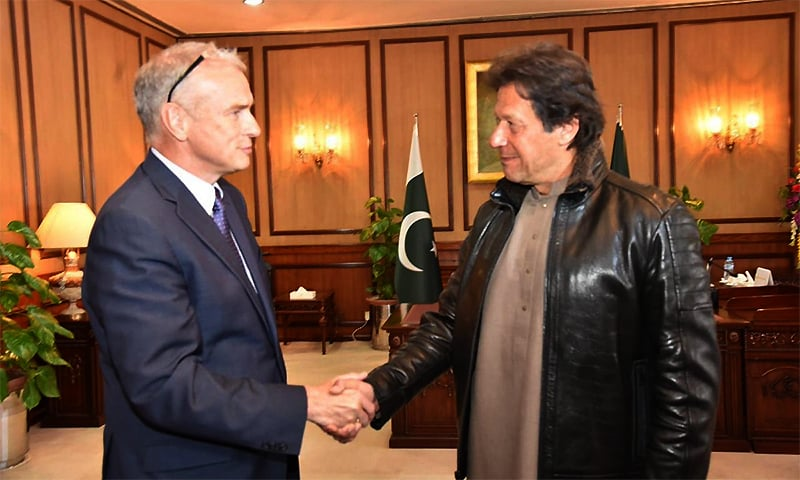 Cargill Asia Pacific Region Chairman Marcel Smits meets Prime Minister Imran Khan at PM Office. ─ Photo courtesy PID Twitter