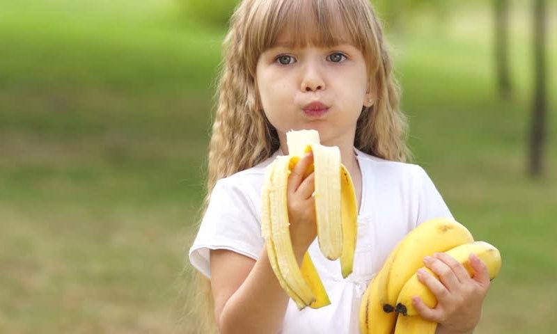 ایک فرد ایک دن میں کتنے کیلے کھا سکتا ہے؟