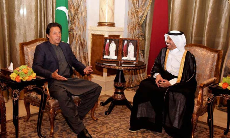 PM Khan discusses economic cooperation with Qatari counterpart