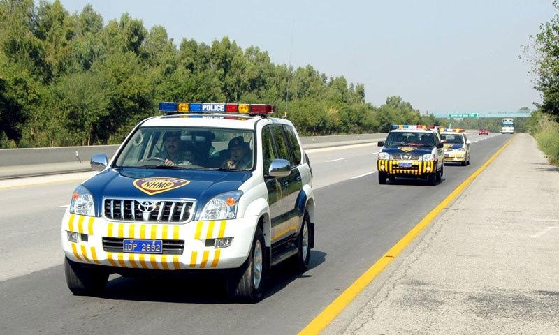 موٹرویز پولیس دعویٰ کرتی ہے کہ اس نے گزشتہ چند سال سے مناسب اقدامات اٹھائے—فوٹو: این ایچ اینڈ ایم پی