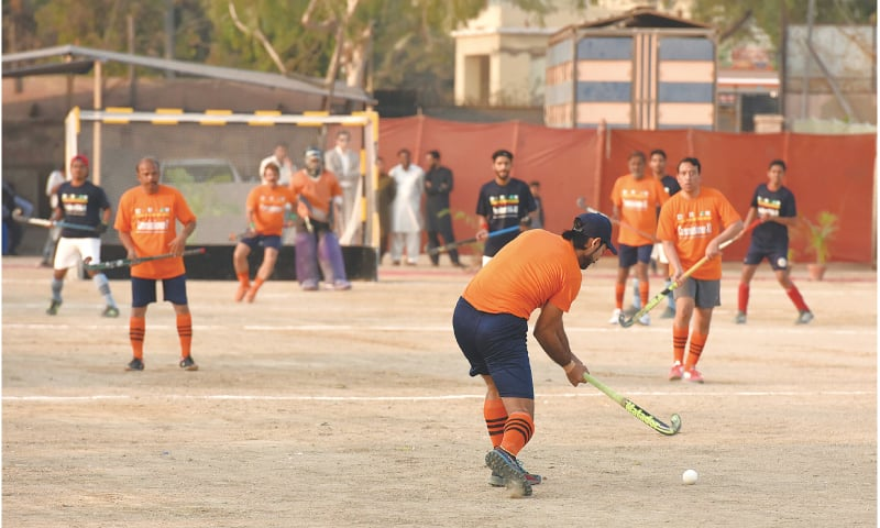 A view of the recent exhibition match between Commissioner XI and President KHA XI | Photos by Tahir Jamal/White Star