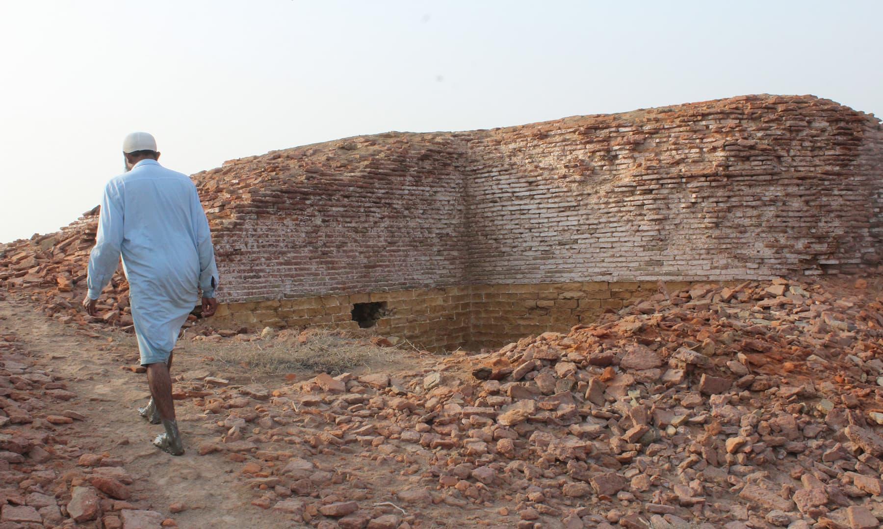 قلعے کی باقیات—تصویر ابوبکر شیخ
