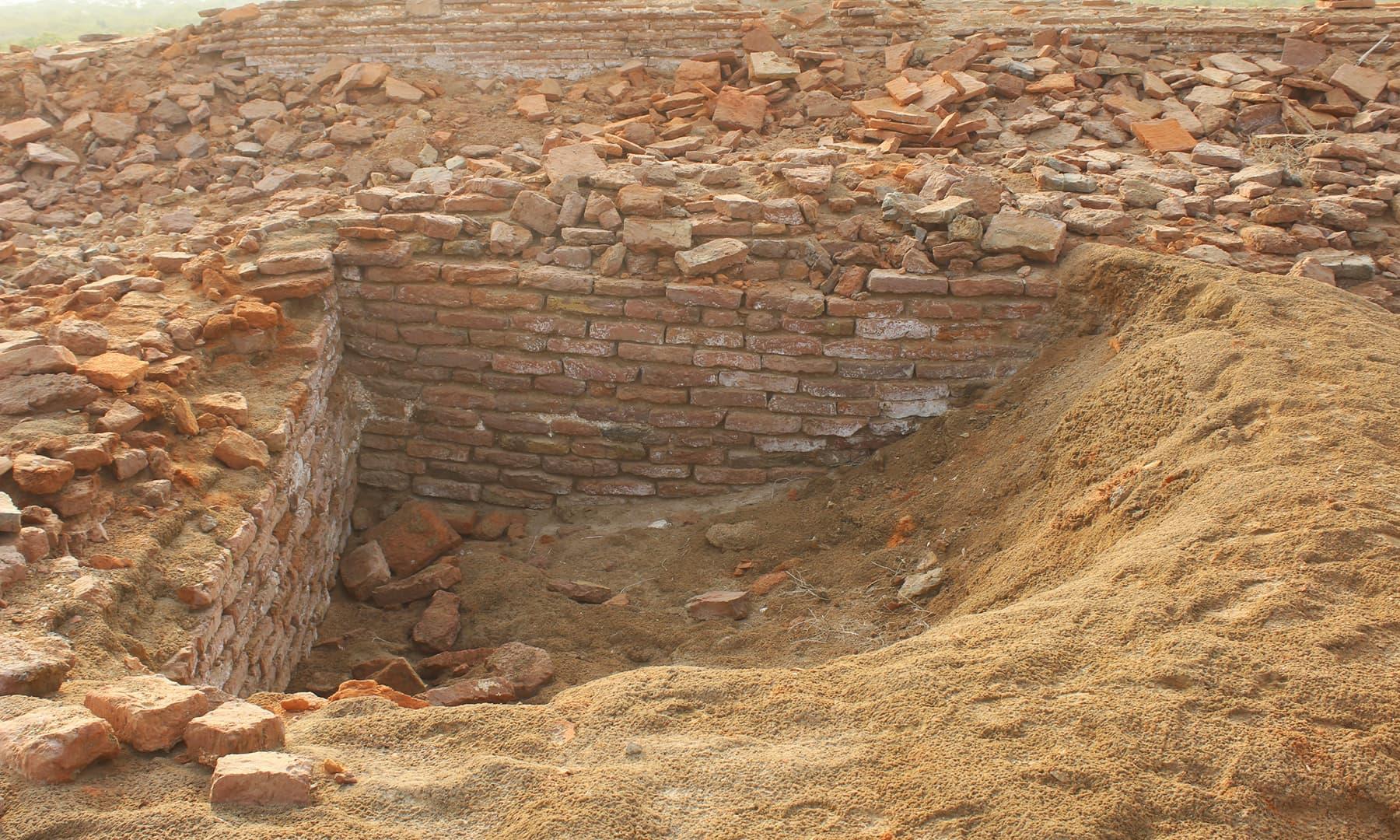 گودام کی کوٹھیاں—تصویر ابوبکر شیخ