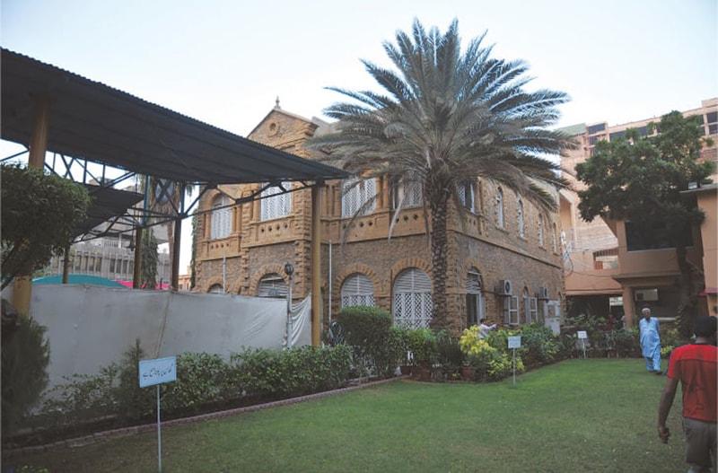 پریس کلب کی عمارت بحالی سے قبل—عزیز سومرو/ای ایف ٹی