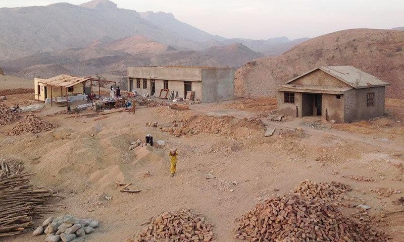 سندھ حکومت نے رنی کوٹ میں گیسٹ ہاؤسز بھی بنوائے ہیں—فوٹو: غیور عباس