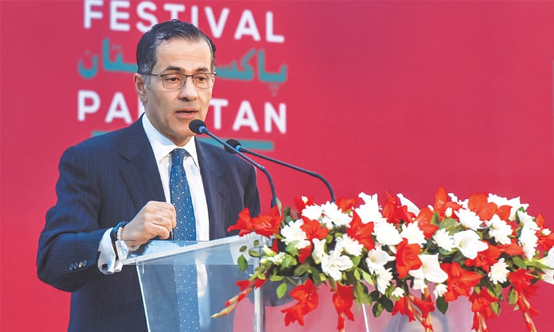 VALI Nasr speaks on the opening day of the Adab Festival at Sindh Governor House.—Fahim Siddiqi / White Star