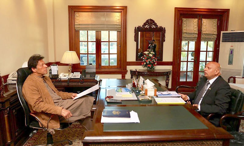 Prime Minister Imran Khan held a one-on-one meeting with Punjab Governor Ghulam Muhammad Sarwar. — PID