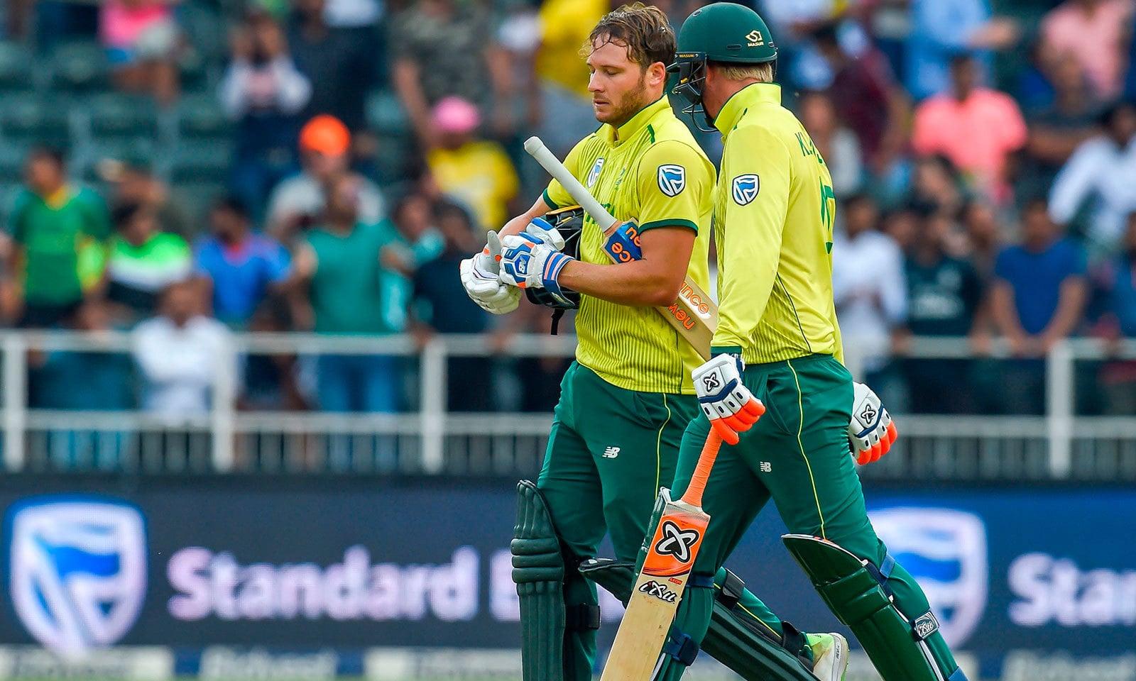 جنوبی افریقہ نے بارش کے بعد جارحانہ کھیل کا مظاہرہ کیا—فوٹو:اے ایف پی