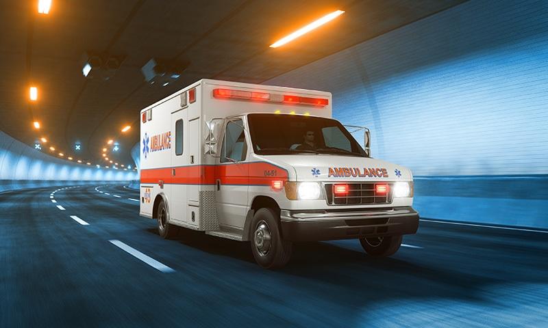 ایمبولینسز کی خریداری پر 10 لاکھ روپے سے زائد کی رقم خرچ ہوئی تھی—فوٹو:ش شٹراسٹاک