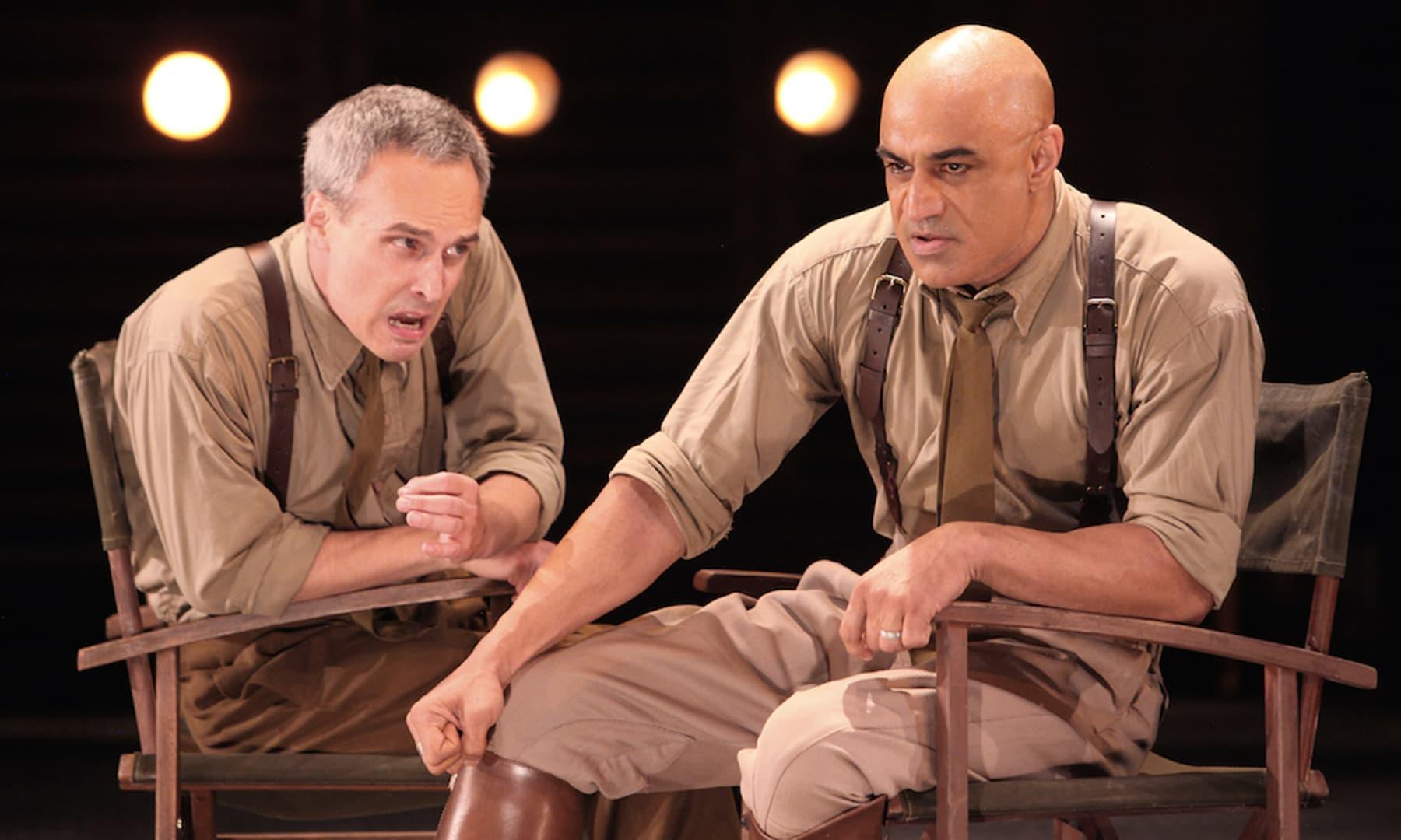فاران طاہر کی تھیٹر ڈرامے میں اداکاری کا ایک منظر
