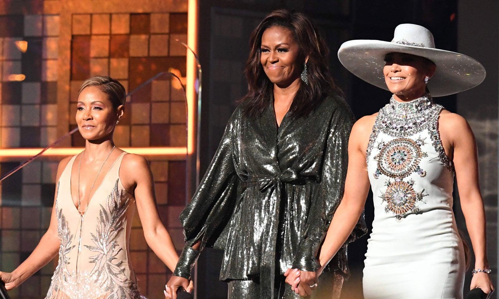 سابق امریکی صدر براک اوباما کی اہلیہ مشعل اوباما نے بھی تقریب  میں شرکت کی — فوٹو: اے ایف پی