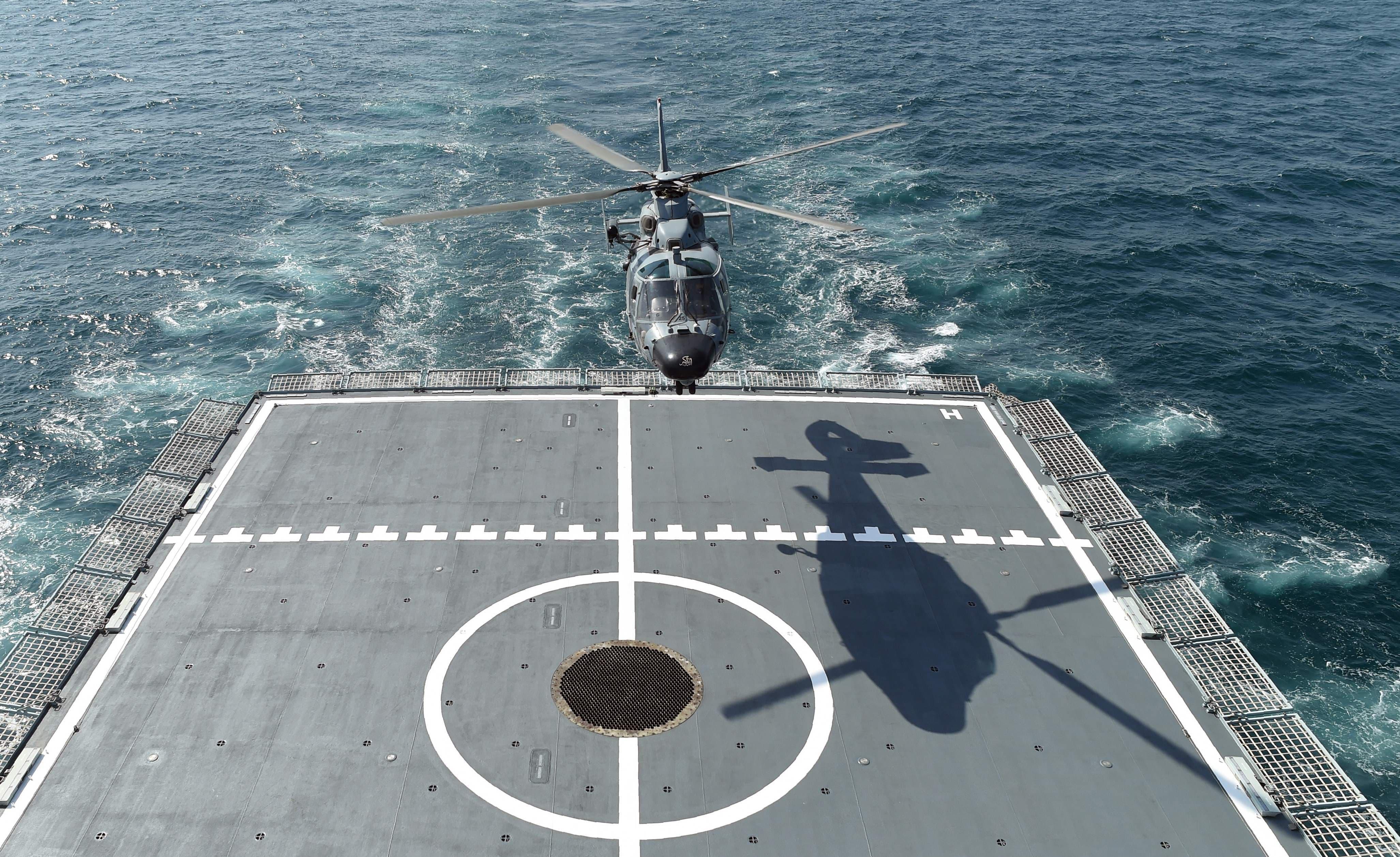 پاکستان کی تینوں مسلح افواج 46 ممالک کی بحری افواج کے ہمراہ ان مشقوں میں شریک ہوئیں—فوٹو/ اے ایف پی