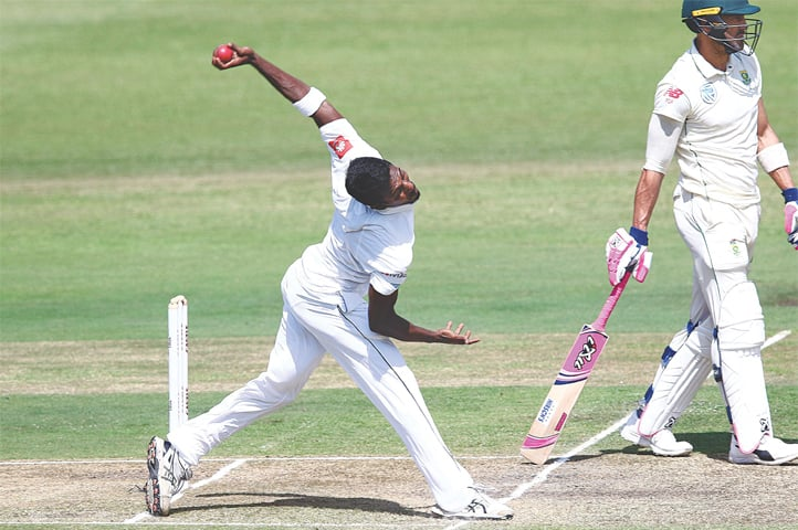 DURBAN: Sri Lanka's Vishwa Fernando bowls during the first Test against South Africa at Kingsmead on Friday.—AFP