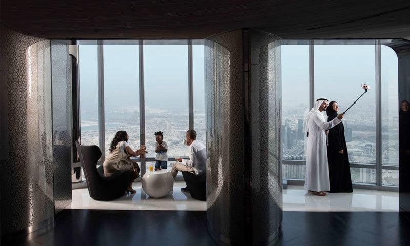 پہلے ہی برج خلیفہ پر ہوٹلز موجود ہیں—فوٹو: برج خلیفہ