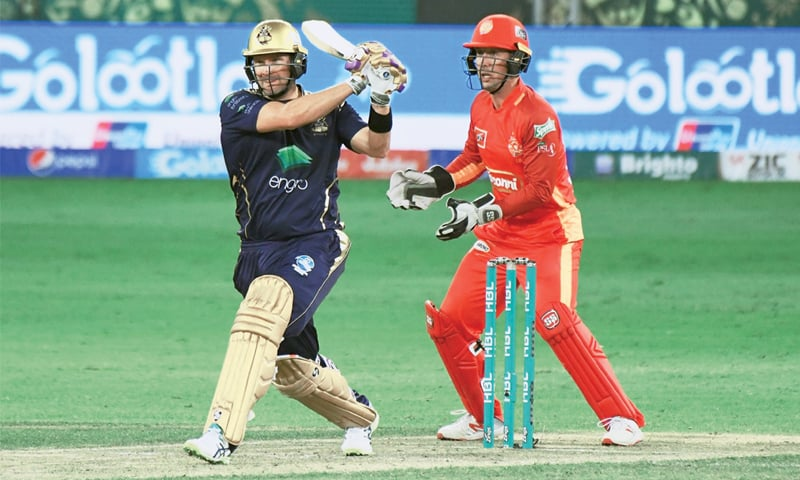 b84f8a89ed9726 DUBAI: Quetta Gladiators opener Shane Watson slams another boundary during  his unbeaten knock of 81