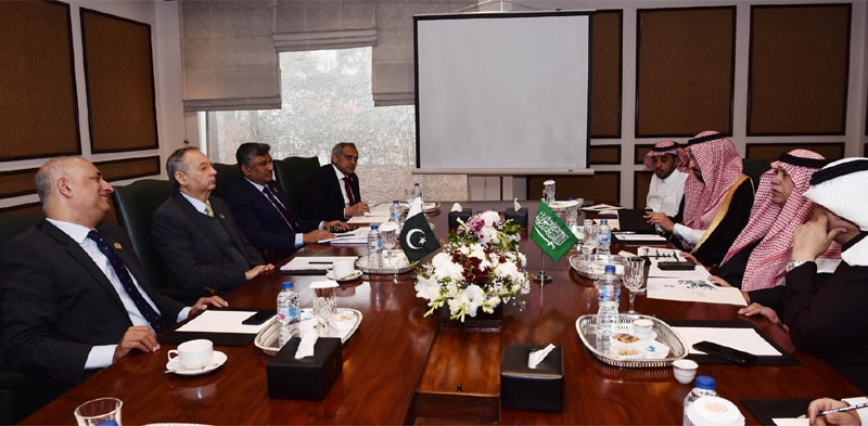Adviser to the Prime Minister on Commerce Abdul Razak Dawood and BoI Chairman Haroon Sharif hold delegation level talks with Saudi Minister of Commerce and Investment Majid bin Abdullah Al Qasabi on Monday. — Dawn