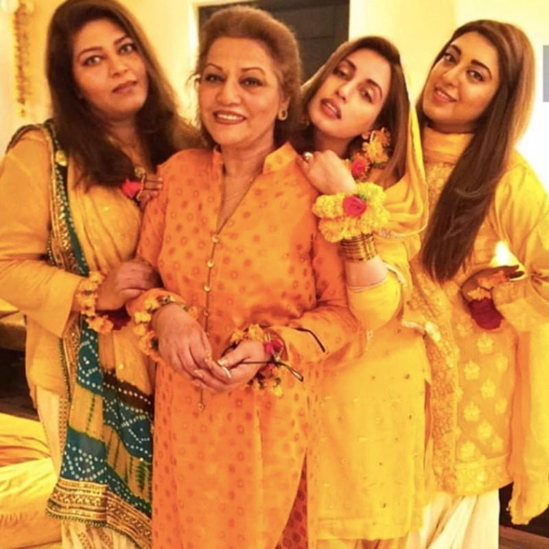 Ali with her mom and sisters