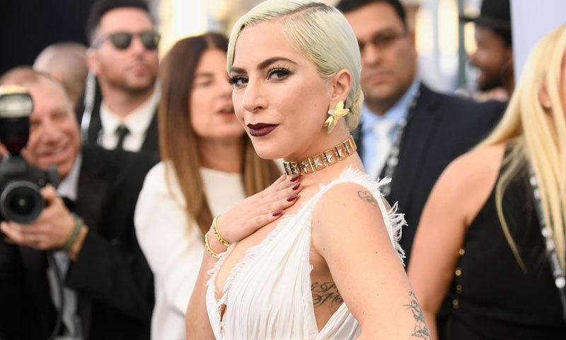 گلوکارہ کو منگنی میں 5 کروڑ مالیت کی انگوٹھی دی گئی تھی—فوٹو: دی انڈیپینڈنٹ