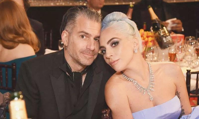 لیڈی گاگا اور کرسٹیئن کرینو نے اکتوبر 2018 میں منگنی کی تھی—فوٹو: کوپٹلین بوٹ