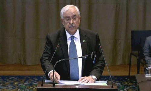 Attorney General of Pakistan Anwar Mansoor Khan pictured on Tuesday presenting Pakistan's arguments before the International Court of Justice.  ─ DawnNewsTV