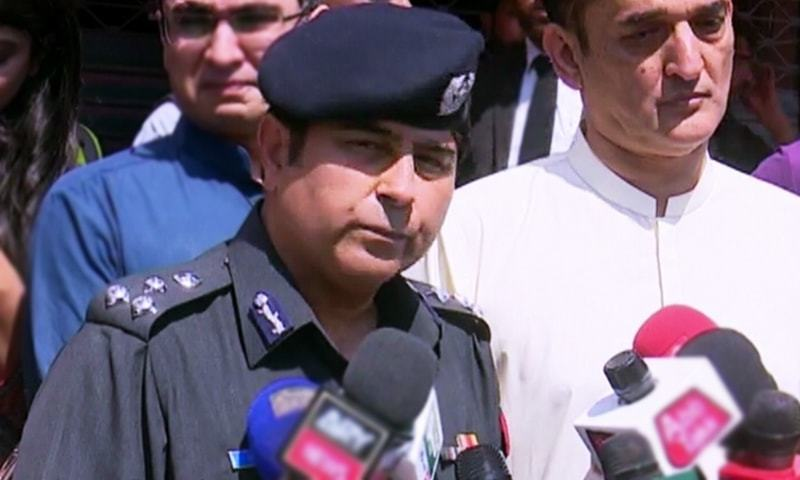 Deputy Inspector General South Sharjeel Kharal briefs the media on the incident and police inquiry. — DawnNewsTV