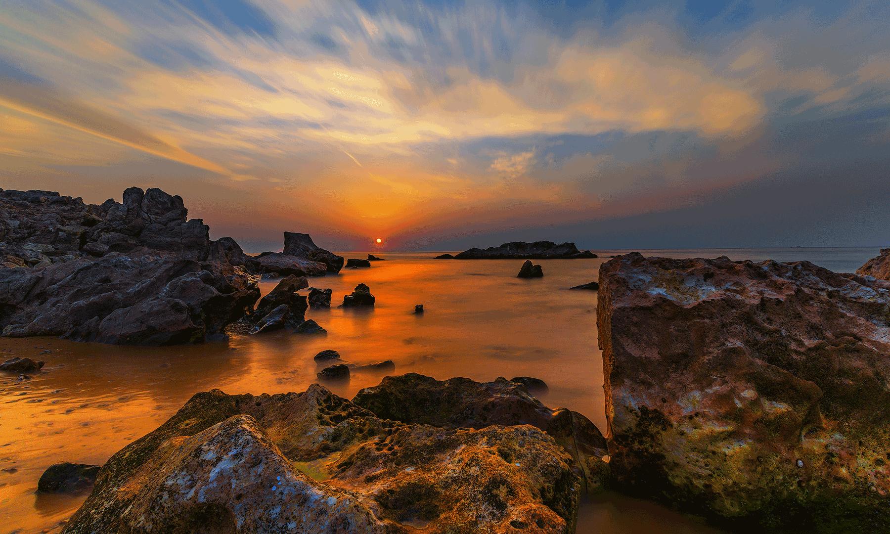 Gaddani's coast - Syed Mahdi Bukhari