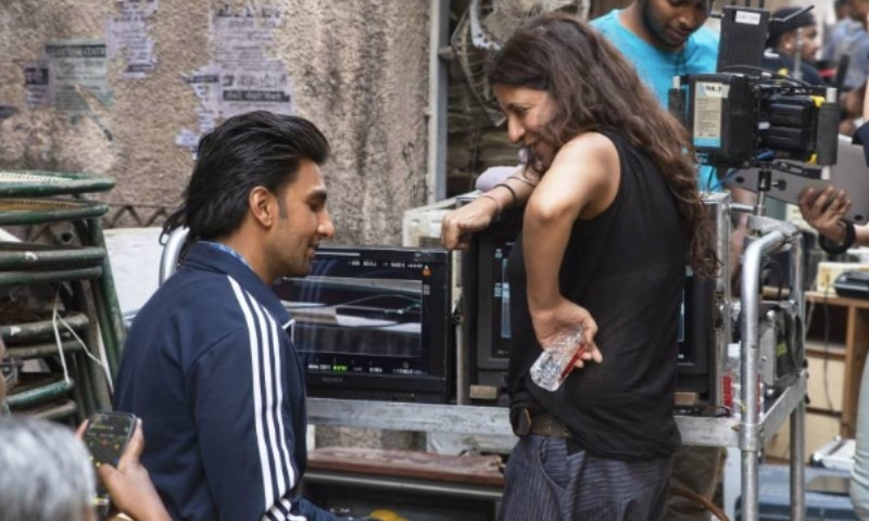 Zoya Akhtar on set with Ranveer Singh