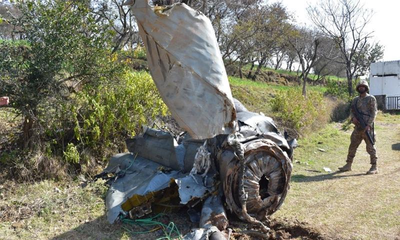 بھارتی طیاروں نے ایل او سی کی خلاف ورزی کی تھی—فوٹو:آئی ایس پی آر
