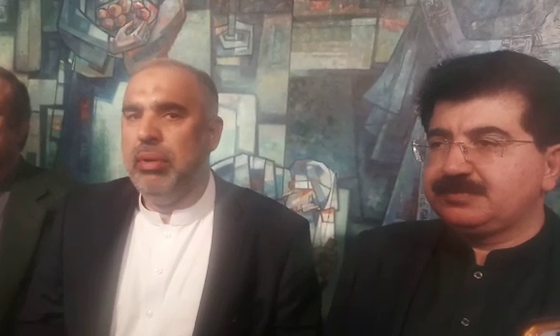 NA Speaker Asad Qaiser (L) and Senate Chairman Sadiq Sanjrani speak to reporters after the meeting. — DawnNewsTV