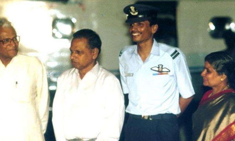 فلائیٹ لیفٹیننٹ کمبامپتی نچِکیتا 1999 کی کارگل کی جنگ میں گرفتار ہوئے تھے — فائل فوٹو