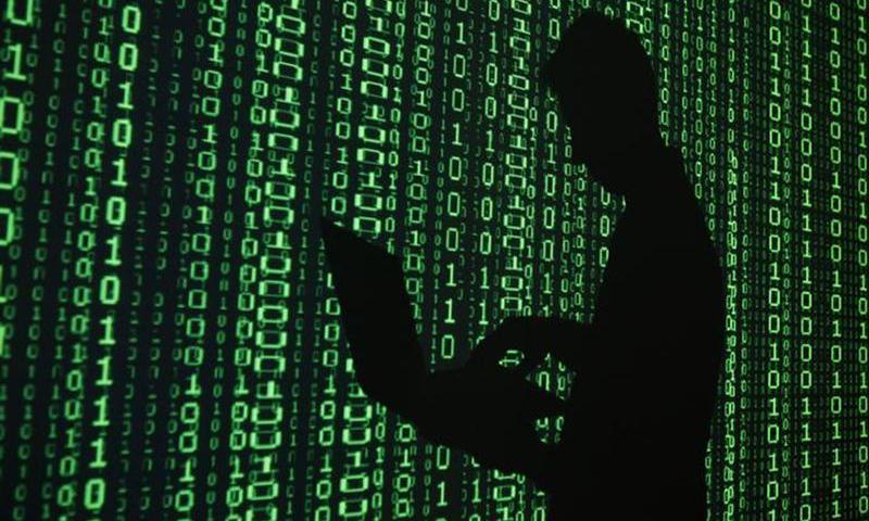 ہیکنگ کے دوران کمپیوٹرز سے کارپوریٹ رازوں کو چوری اور ڈیٹا کو صاف کردیا—فائل فوٹو: اے ایف پی