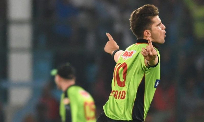 Afridi celebrates after removing the dangerous Ronchi. — PSL