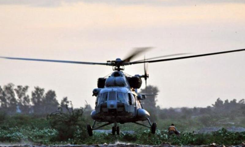 2013 میں چیتک ہیلی کاپٹر آئی این 445 خلیج بنگال میں گر کر تباہ ہوگیا جس میں 6 اہلکار ہلاک ہوئے—اے ایف پی